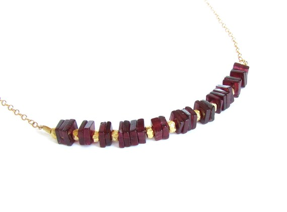 Rhodolite Garnet Necklace : Garnet Jewelry, Gold Filled, January Birthstone Necklace, Square Geometric Jewelry, Modern Gemstone Necklace