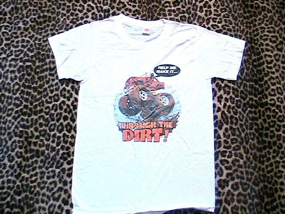 1970s Men T.shirt - Jeep Monster Truck Colorful Transfer - Help me make it through the dirt - Dated 1977 - Brand NEW - M