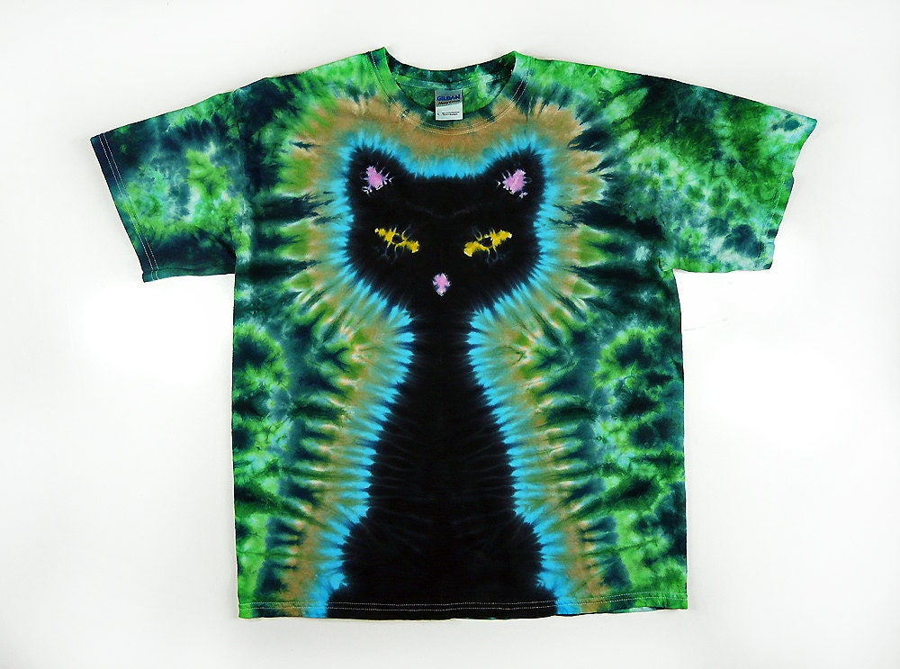 black cat    2x 3x 4x plus size    tie dye shirt    green