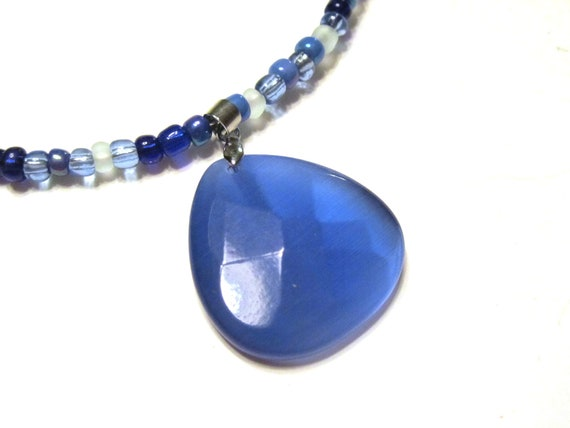 50% OFF SALE Sapphire Blue Cats Eye Pendant Seed Beaded Memory Wire Choker Necklace