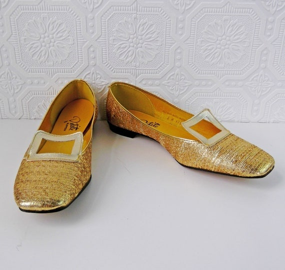 1960's Gold Shoes, Gold Lame Flats, Loafers, NOS, by International Shoe Co., size 8, Vintage