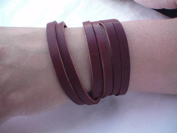 Triple wrapped bridle leather bracelet in chestnut color