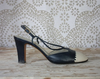 Vintage 1960's Sailor Nautical Navy and Cream High Heel Sling Back Pumps Shoes 7M Leather Made in Italy