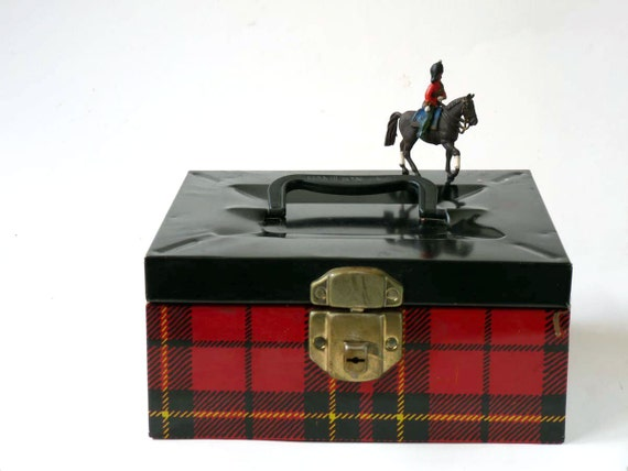 Hamilton Skotch box, red plaid tin litho with handle
