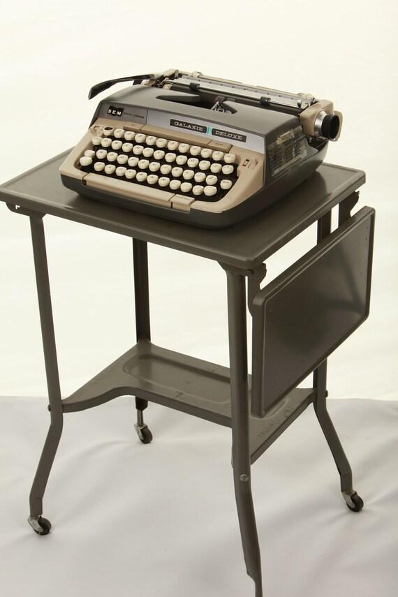 Vintage typewriter table by toledo guild toledo ohio gray for Table 6 ohio
