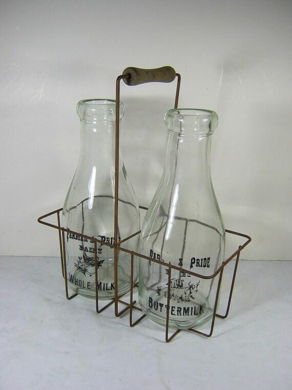 vintage bottle carrier metal with 2 glass milk bottles. Black Bedroom Furniture Sets. Home Design Ideas