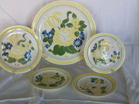 Brittany pattern Red Wing dishes