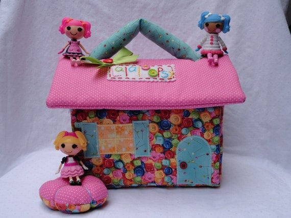 Cute as a Button Fabric Dollhouse for mini Lalaloopsy dolls// Ready to ship