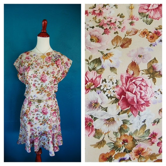 Vintage 1980s Floral Dress - Pink and Cream Ruffled hem Summer Mini S/M