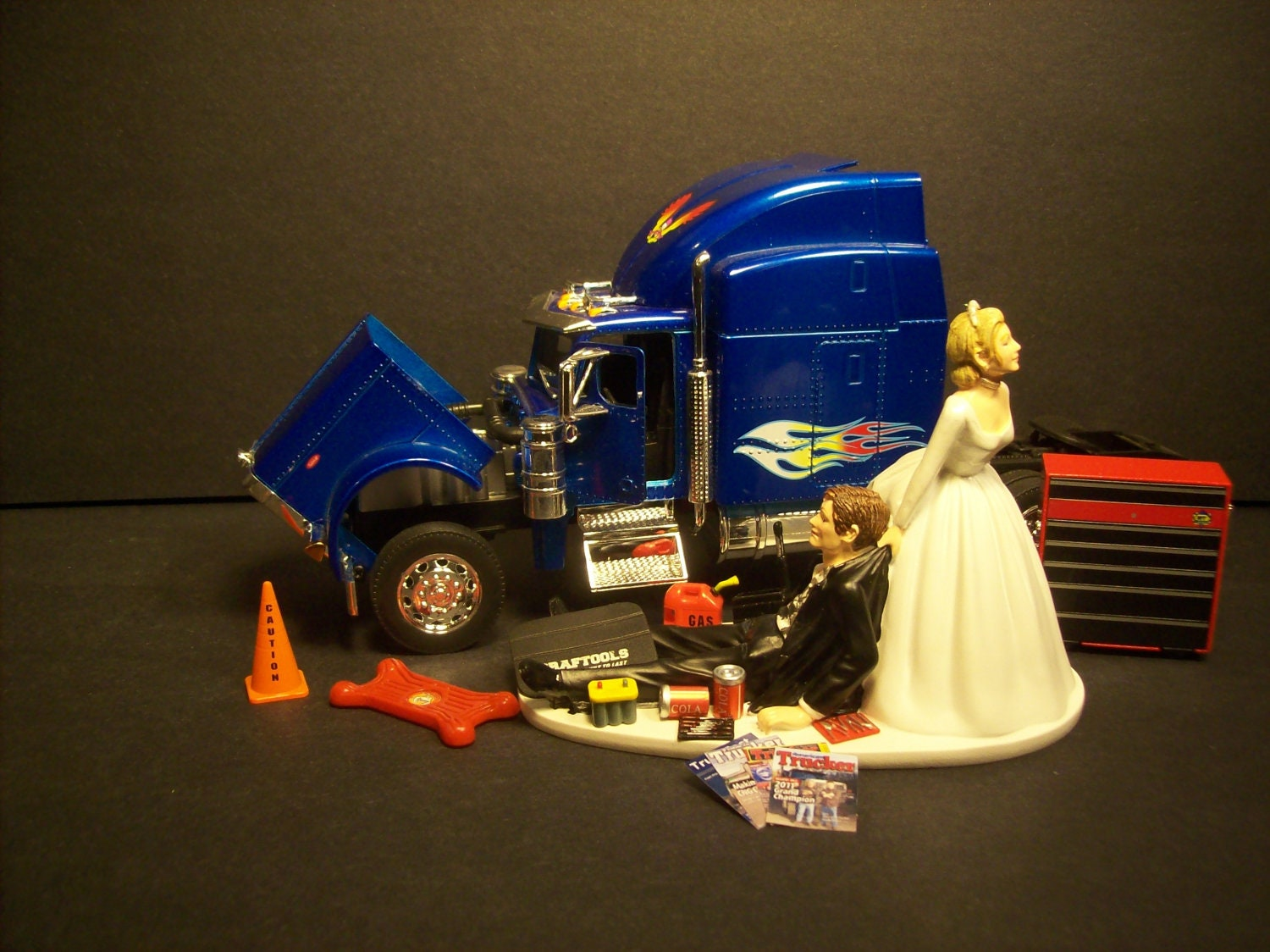 wedding cake topper with truck auto mechanic peterbilt 379 blue tractor trailer truck wedding 26664