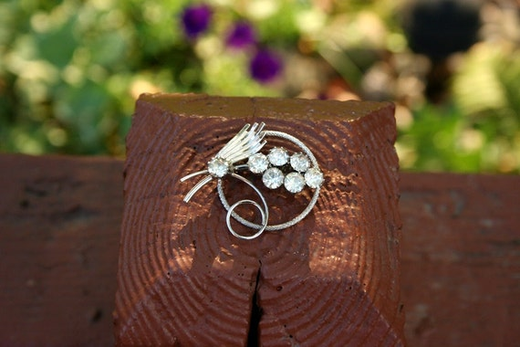 Diamond and Silver Wire Brooch Pin