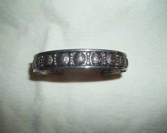 Shiny Silver Floral Embossed Pressed Bangle Bracelet