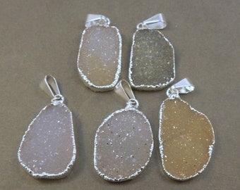 Druzy Druzzy Drusy Pendant with Silver-layered Electroplated Edge FRD (S1B12-04)