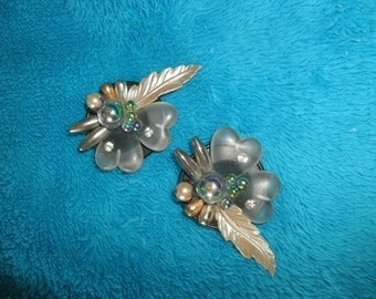 Disco CLIP/EARRINGS/ACRYLIC/Feathers/Leaves/Beads/Pearls
