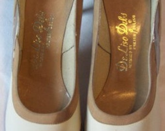 Gorgeous Vintage Ivory, Brown and Gold Kitten Heels
