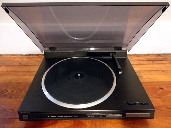 Vintage Technics SL-L20 Vintage Turntable Automatic Linear Tracking Record Player LP's.............REPEAT Feature :)