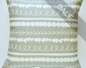 SALE - Decorative Pillow Sham - Grey and White Repeating Shapes Pattern - 16x16 Inch