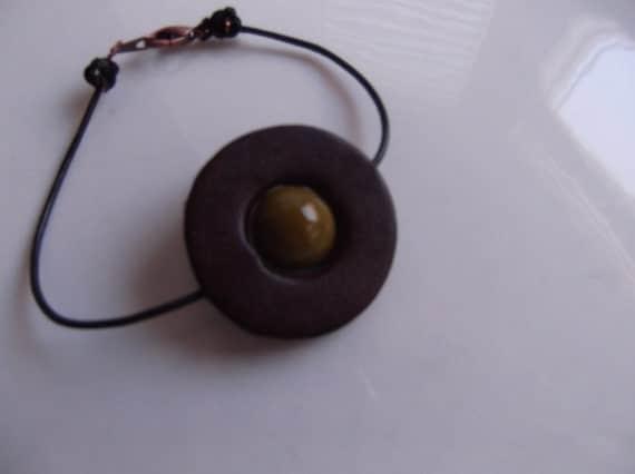 Aromatherapy Bracelet Brown Circle Leather Glass Bead