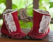 "AK DESIGNS ""Elegant Baby Shoes"" - Little Rolanda."