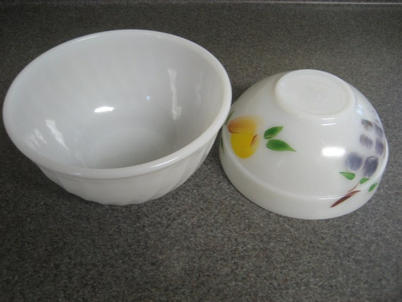 2 Vintage Fire King Mixing Bowls White Swirl And Gay Fad
