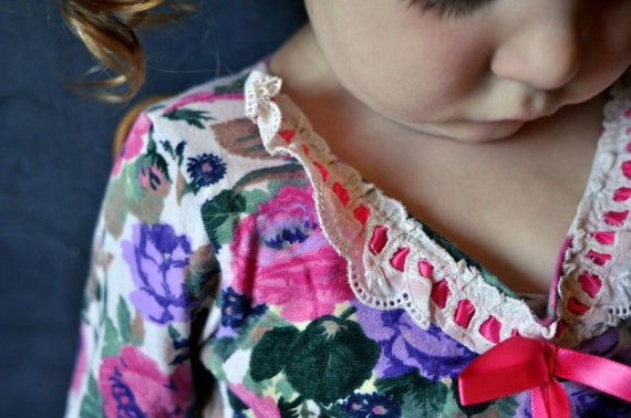 rad toddler floral bodysuit, long sleeve, one piece, lace collar with bow. 3t, 4t