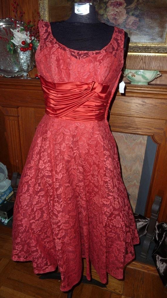 Stunning 1950s red evening dress