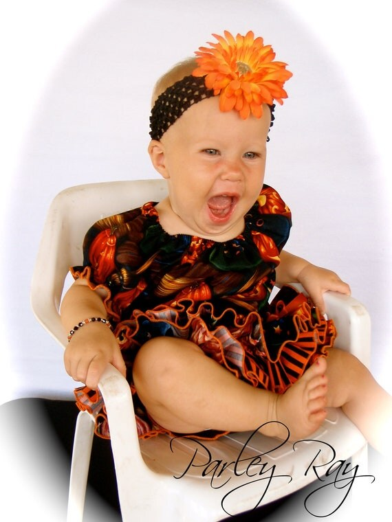 Beautiful Parley Ray Jack-o-lantern Halloween Magic All Around Ruffle Skirt Peasant Style Blouse and Bracelet Ruffled Diaper Cover