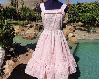 Vintage 80s/50s dress 1980s does 50s fitted full sundress S/M embroidered cotton pink polka dot