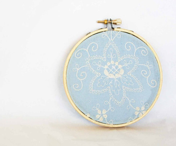 Embroidery hoop with vintage blue embroidered fabric - 4 inch size