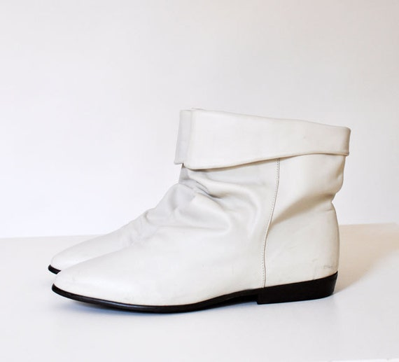 White Leather Ankle Boot Size 10M Made In Uruguay