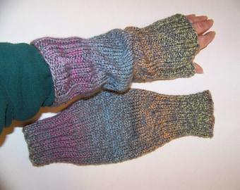 Hand Knit Wrist Warmers / Fingerless Gloves / Texting Gloves Mardi Grey Acrylic Yarn