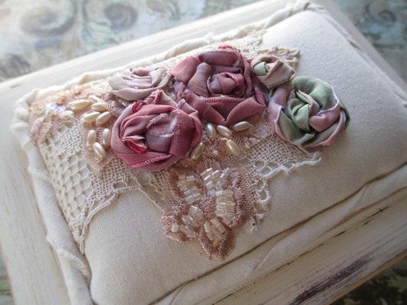 Jewelry Box - Keepsake Box - Shabby Cottage Chic -  Housewares - Pink Rosettes