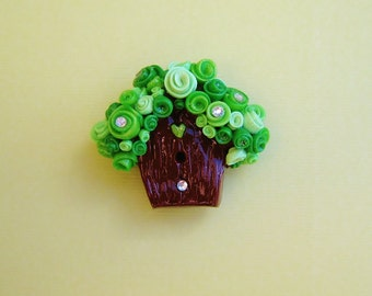Fairy Birdhouse Magnet with Green Flower Roof