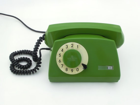 RESERVED FOR SUSIE - Vintage green rotary telephone 80s