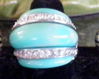 KJL Designer to the Stars, Kenneth Jay Lane Signed Ring.