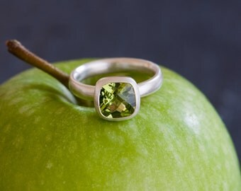 Peridot Ring - Apple Green Peridot Ring in Sterling Silver - Made To Order - FREE SHIPPING