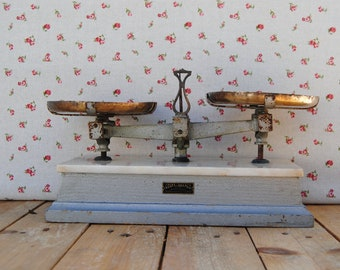 Antique - vintage - original - portuguese - grey - pharmacy SCALE  - weighing machine