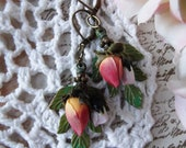 Brass, Green Five Sprig Leaf with Two Roses Dangle