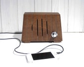 Little wooden MP3 speaker