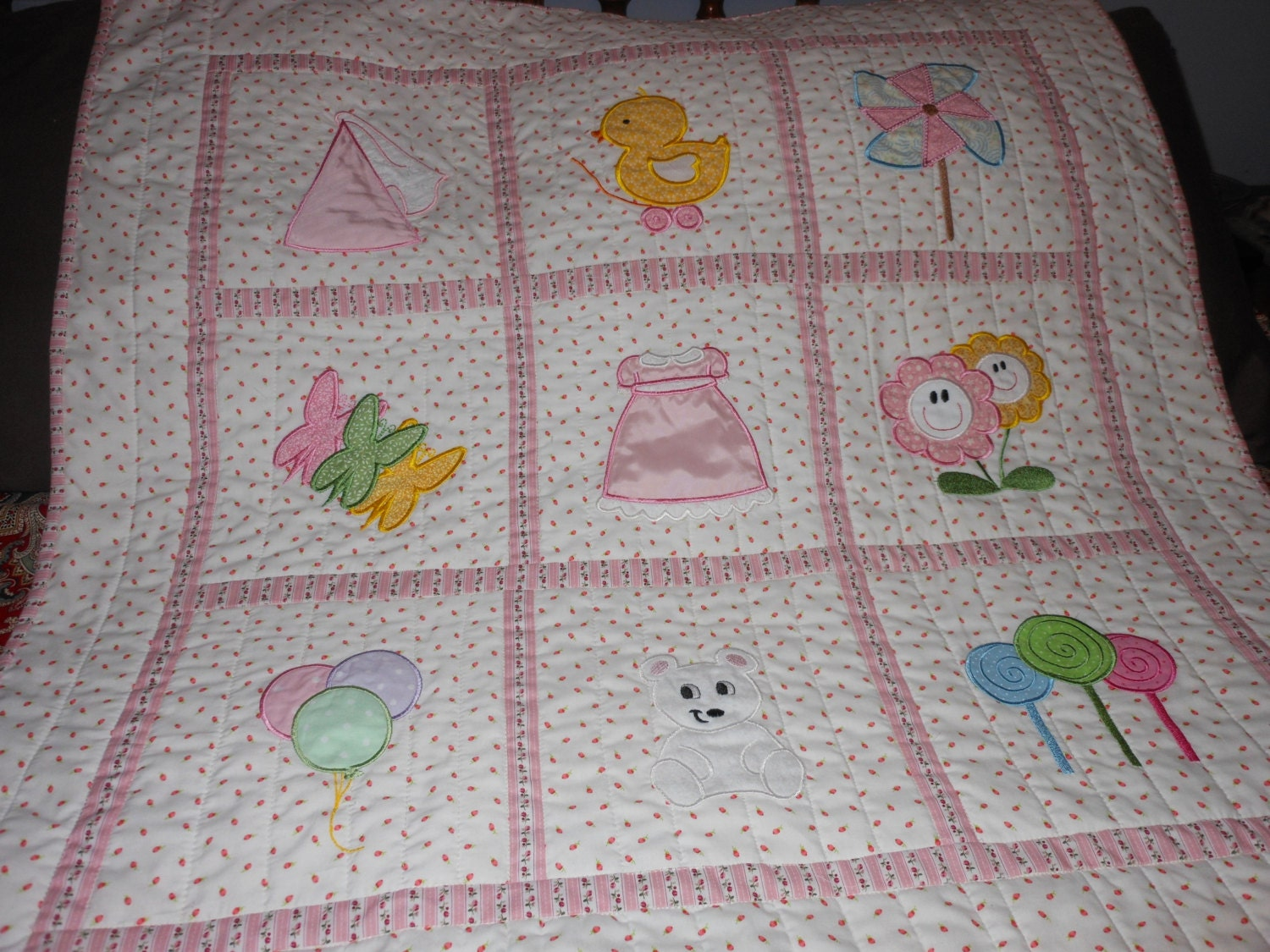 Baby Girl Crib Quilt Applique 33 X33 Inches