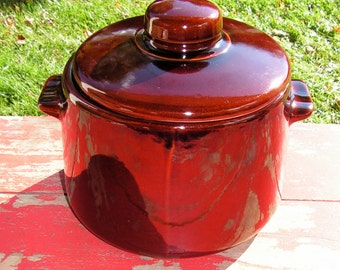 Vintage High Gloss  Large Brown Glazed Chili or Bean Pot Covered USA Pottery  Cooking Serving Kitchen