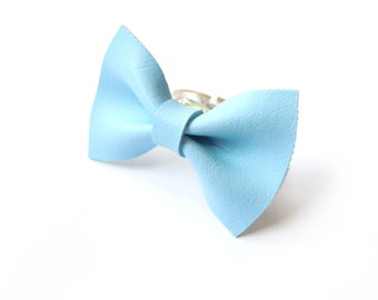 BOW RING in pastel light BLUE