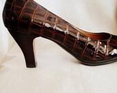 Patent Leather Shoes Brown Crocodile Pumps size 7M Vintage SOFFT Elegant Formal Designer