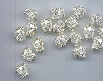 13 vintage shiny white silver tone filigree beads - pear-shaped, 13.5 x 11 mm