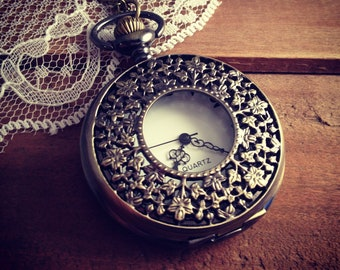 1 Pc Large Vintage Style Pocket Watch Necklace Floral Engravings Pocket Watch (BB022)
