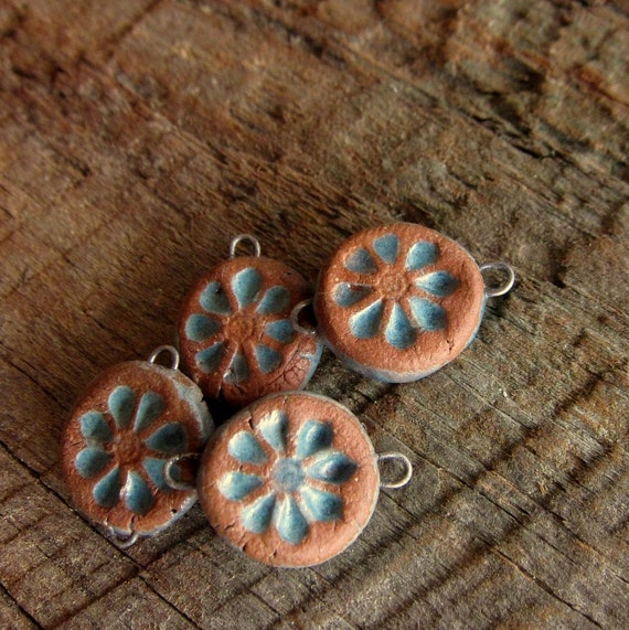 Set of 4 Rustic flower connector beads turqouise on stoneware