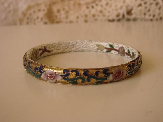 Beautifully Detailed Cloissone Bangle Bracelet (Bold Color)