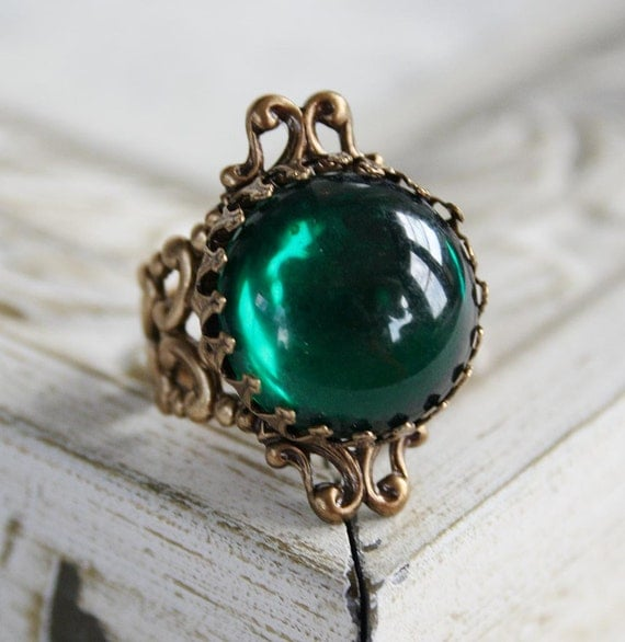 CITY of EMERALDS Victorian fantasy cocktail ring featuring emerald green vintage glass with aged brass details, free velvet pouch
