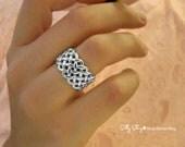 Criss Cross Ring 14K White Gold . Unisex Wedding Ring
