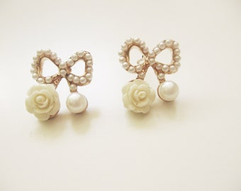 Pearls bow earrings- golden bow earrings- small little glass pearls- shabby chic style bridesmaid gift